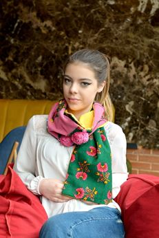 Picture of Frida's Flowers Scarf #1