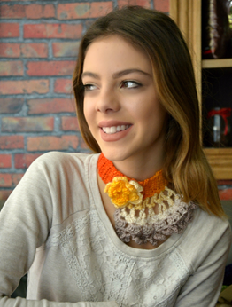 Picture of Crochet Choker in Variegating Orange to Beige
