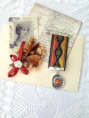 Picture for category Brooches
