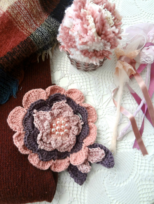 Picture of Statement Flower Brooch