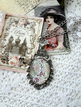 Picture of Cabochon Pendant Necklace:   Delicate Pink Roses